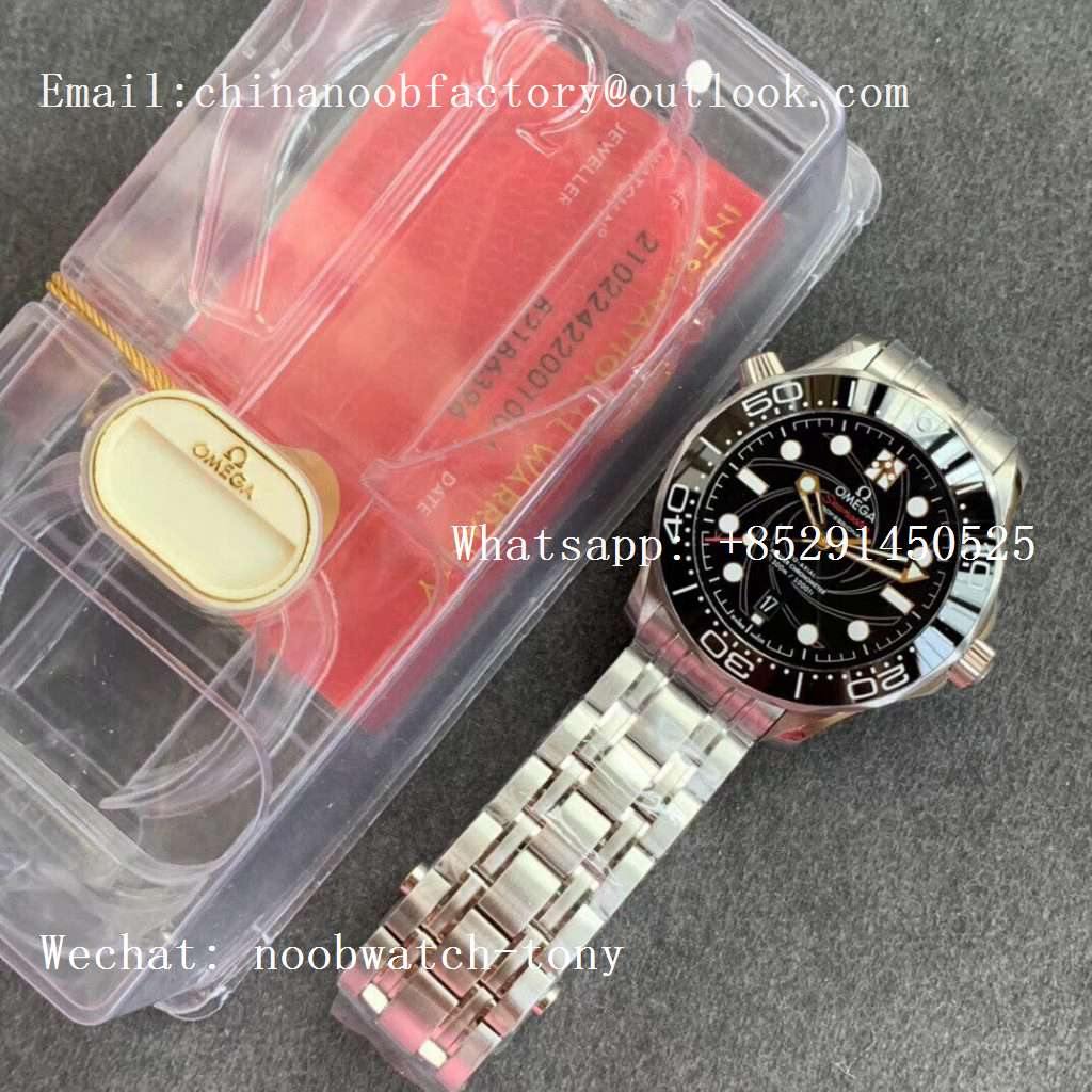 Replica OMEGA Seamaster Diver 300M 007 James Bond VSF 1:1 Best Edition on SS Bracelet A8800