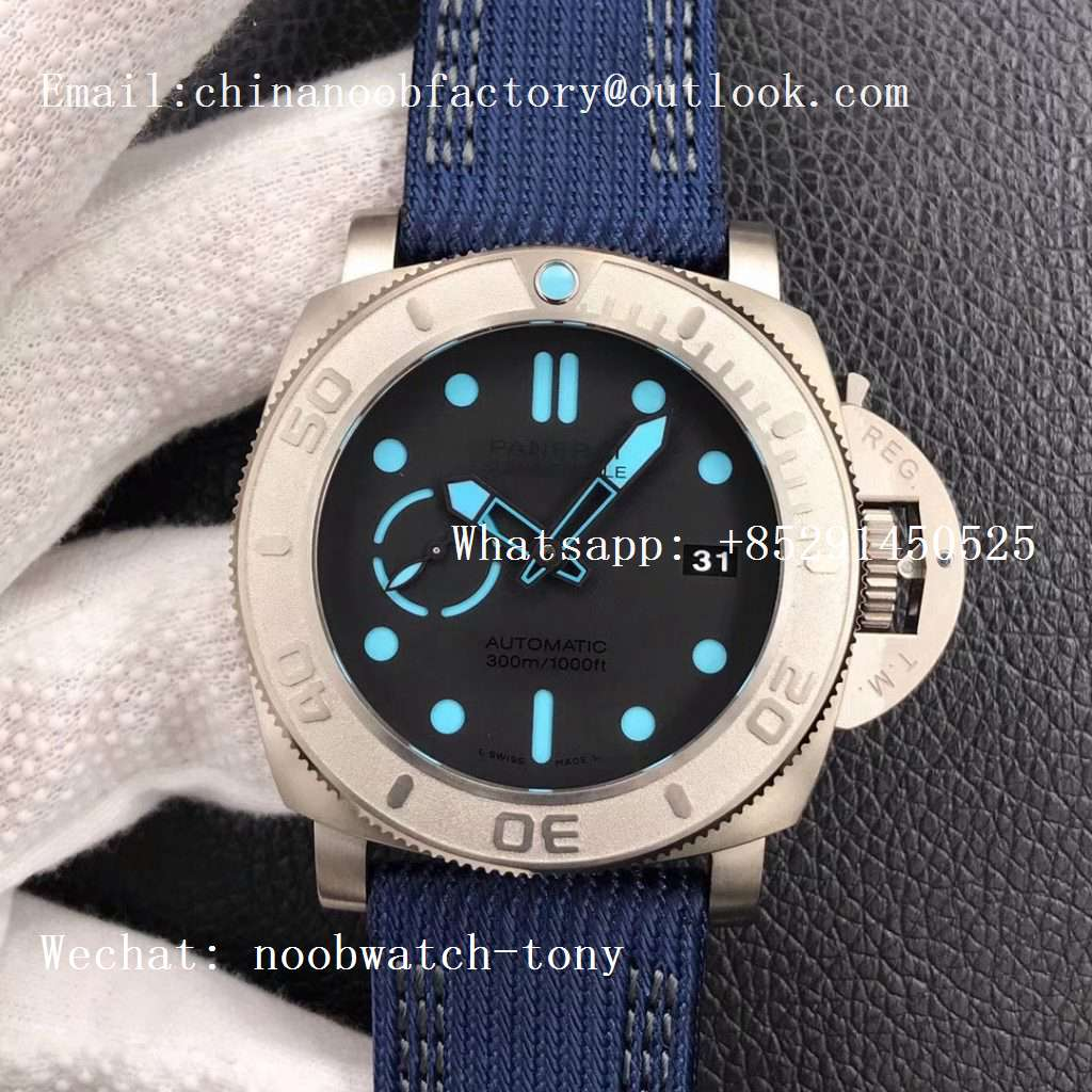 Replica Panerai PAM985 Mike Horn Submersible VSF 1:1 Best Edition Black Dial on Blue Nylon Strap P.9010 Clone